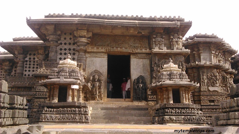 Hoysaleswara and Kedareshwara temple – Halebidu – Hasan Karnataka